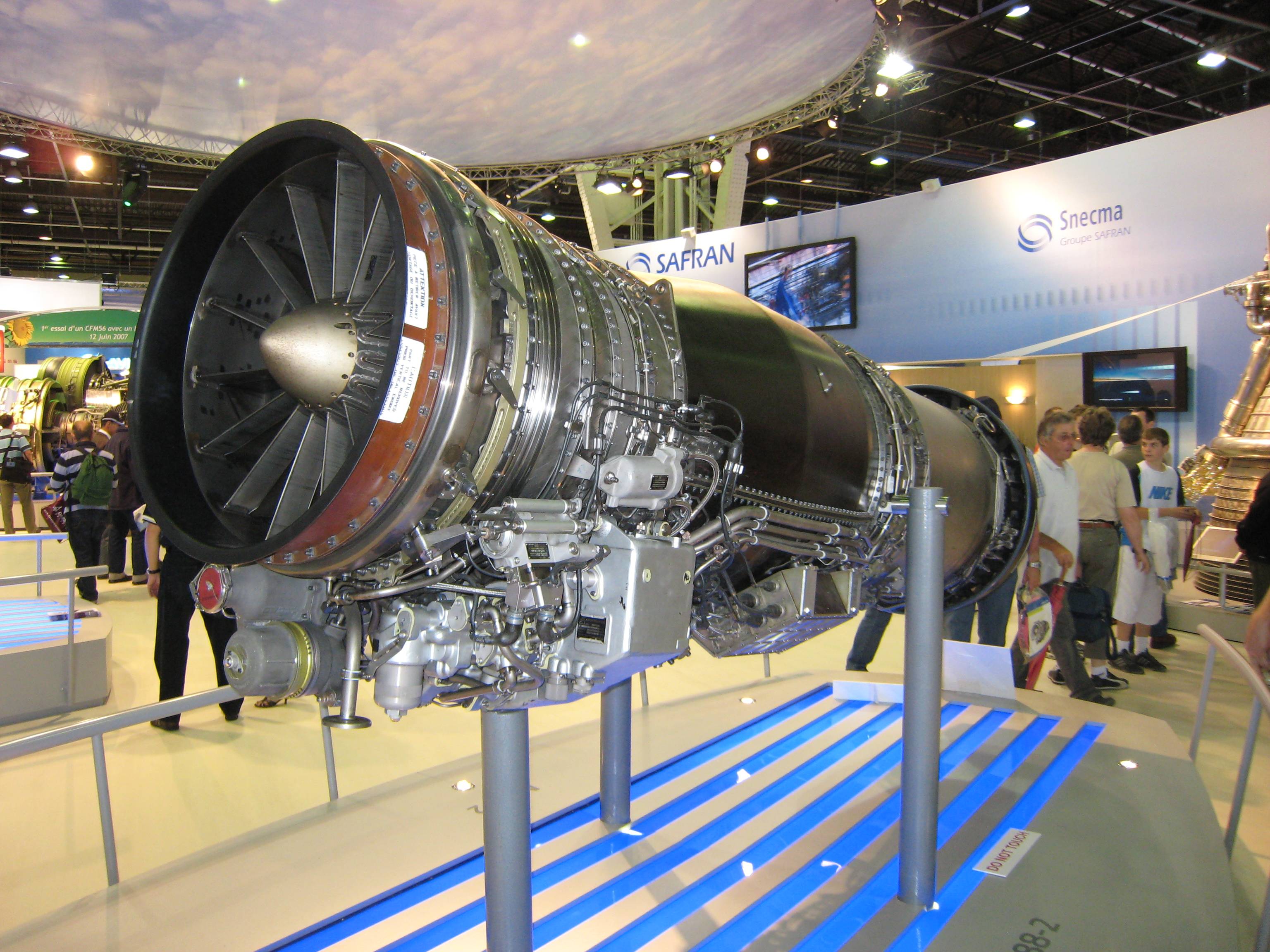 M88-2_Engine.JPG - 3.16 MB